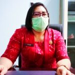 KEPALA Dinas Kesehatan (Dinkes) Halbar Rosfintje Kalengit, ketika ditemui di ruang kerjanya, Kamis (25/03/2021)