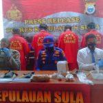 KASAT Polairud Polres Kepulauan Sula IPDA M. Sofyan, saat gelar konferensi Pers, Jumat (26/3/2021).