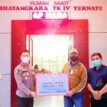 HARITA Nickel menyerahkan alat rapit antigen kepada pihak rumah sakit Bhayangkara Ternate, baru-baru ini
