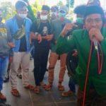 PRESIDEN BEM STAI Babussalam Sula, Maluku Utara Razki Soamole saat menyampaikan orasinya di Kantor Bupati Kepsul, Senin (2/8/2021)