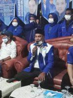 RICHARDO K. Hongarta (duduk ujung kanan) bersama kader Partai Demokrat Kepsul lainnya di HUT PD ke-20 tahun